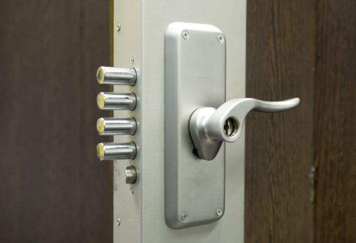 drzwi na zlodzieja